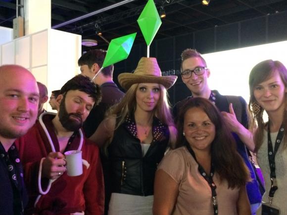 Het Buzzista team met De Sims op Gamescom
